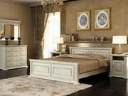 Спальни из натурального дерева