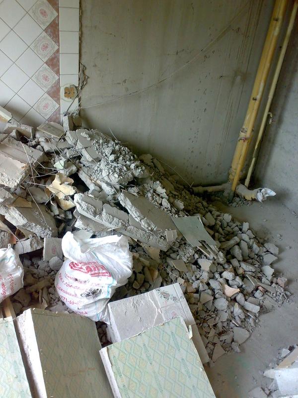 Демонтаж, вывоз сантехкабин, блоккомнат.Резка проемов Харьков
