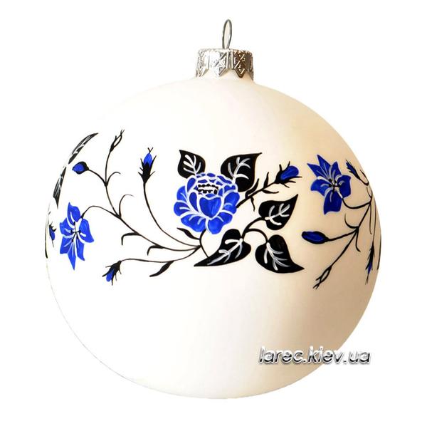 Елочный шар с ручной росписью